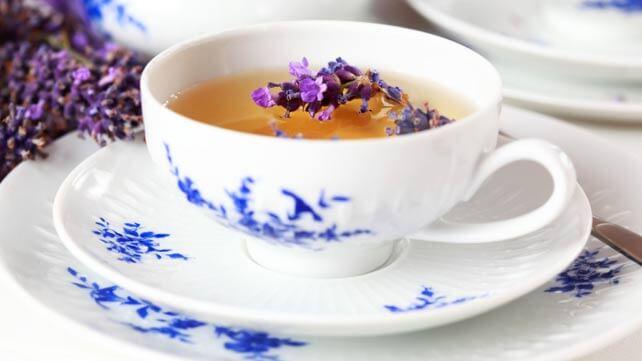 teas for sleep-lavender tea